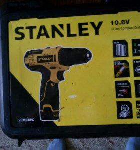 Шуруповерт STANLEY STCD 1081B2