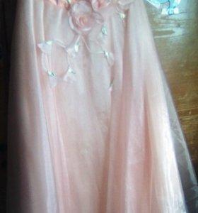 Праздничное платье + серьги и колье