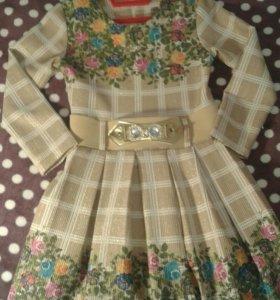 Платье для девочки рост 116 ,в отличном состоянии