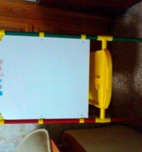 Детская доска для рисования двусторонняя.
