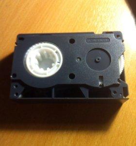 Продаю видео кассету JVC 45 VHS (для видеокамеры)