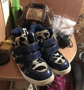 Продам обувь для девочки размер 30 и 31