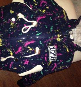 Куртка для девочки на рост 110-115 см.