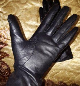 Женские новые кожанные перчатки