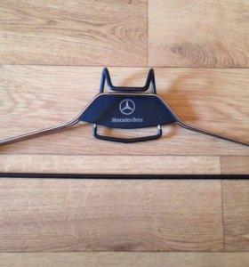 Вешалка для одежды Mercedes