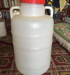 Емкость 15-20 Л. Пластиковая