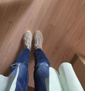 Блузка кроссовки