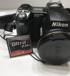 Nikon coolpix 5700 (возможно снимать под водой)