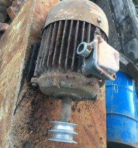 Двигатель 380-220 В