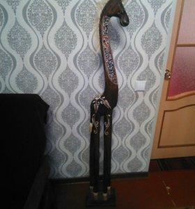 Деревянный конь для декора