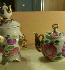 Чайник заварочный и сахарница