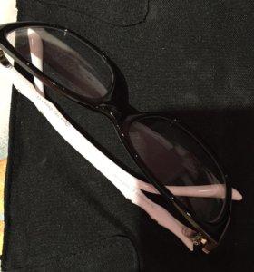 Очки:правая-0,5;левая-стекло