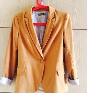 Модный пиджак для стильной девушки