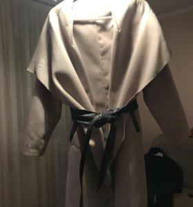 Пальто стильное в отличном состоянии