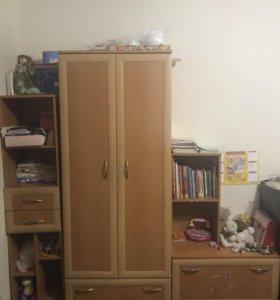 Шкаф вещевой, тумбочка, шкаф пенал