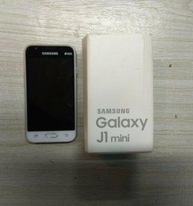 Смартфон Samsung Galaxy J1 mini 8Gb