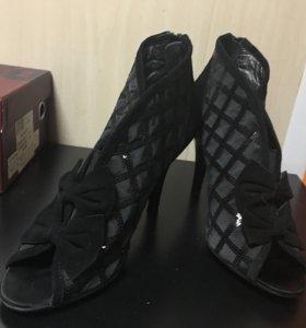 Обувь женская (босоножки, туфли)