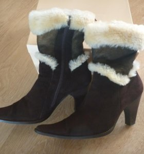 Зимние замшевые ботинки р.39