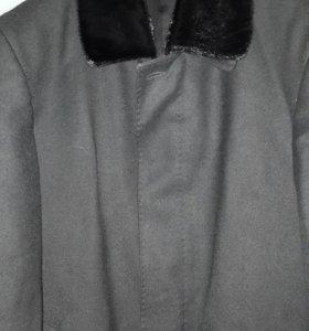 Пальто мужское демисезонное с норковым воротником