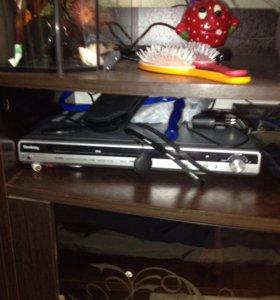 DVD-плеер и 2 клавиатуры в подарок