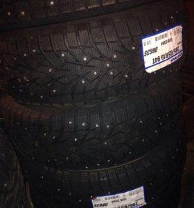 Новые зимние шип.шины 205/65 R15 TOYO