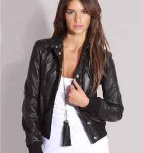 Кожаная куртка 40-42