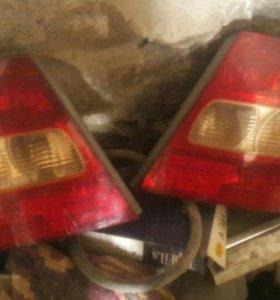 Фары от corolla 120 кузов левая и правая