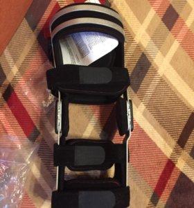 Ортез жёсткий на коленный сустав