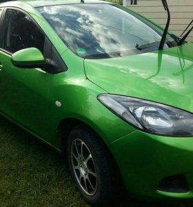 Mazda 2 автомобиль