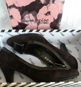 Красивые новые туфли 37.5-38