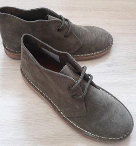 Замшевые ботинки новые (дезерты)