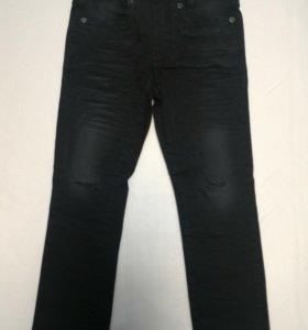 Продам новые детские джинсы