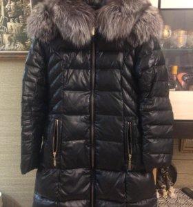 Продам зимнюю курточку пух/перо,