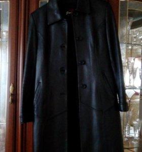 Пальто из натуральной кожи