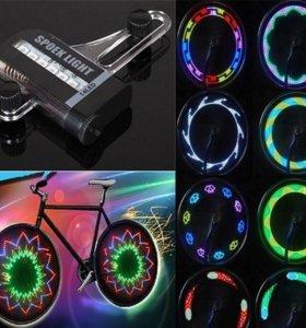 Светодиодный разноцветный фонарик на колесо