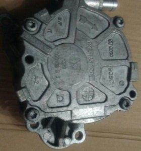 Насос вакуумный Audi VW 03L145100