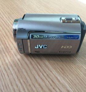 Камера Everio GZ-MG330