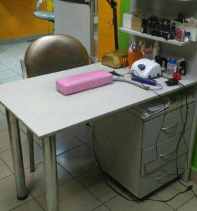 Маникюрный стол б/у