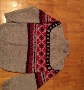 Новый шерстяной пуловер