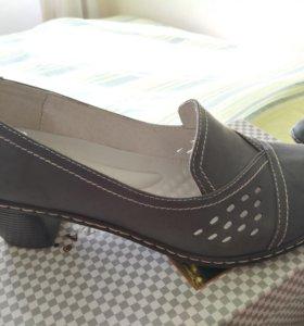 Туфли женские кожаные 40 р-р