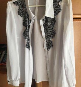 Белая блузка с чёрным кружевом