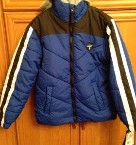 Новая тёплая куртка 8-10 лет