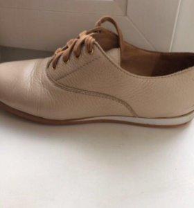 Ботинки кожаные 37 размер