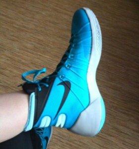 Баскетбольные кроссовки, HUPERDANK15