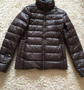 Куртка на пуху легкая