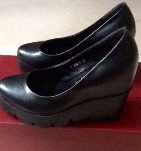 Туфли натуральна кожа 35 размер