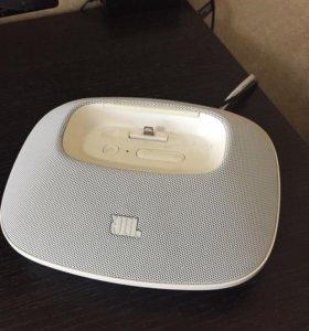Док-станция с акустикой JBL OnBeat Micro White