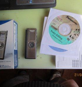 Цифровой рекордер (диктофон) Panasonic RR-US450