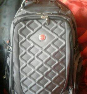 Новый вместительный рюкзак