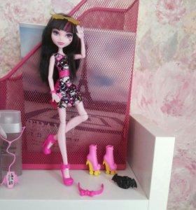 Кукла Monster High + аксессуары